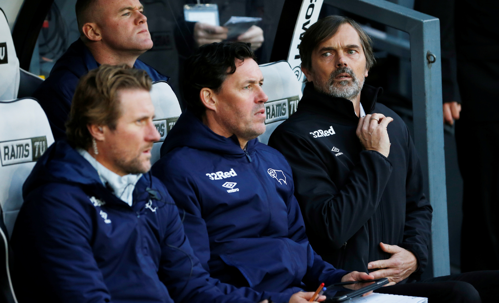 Cocu en assistent-trainers per direct weg bij Derby County